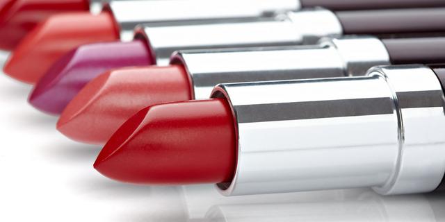 quelle couleur rouge a levre quelques rouges lvres qui vont tout le monde ou presque du nude du. Black Bedroom Furniture Sets. Home Design Ideas